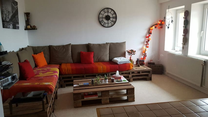 Appartement dans un petit village - Bessenay - Apartment