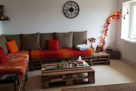 Appartement dans un petit village - Bessenay - Apartment