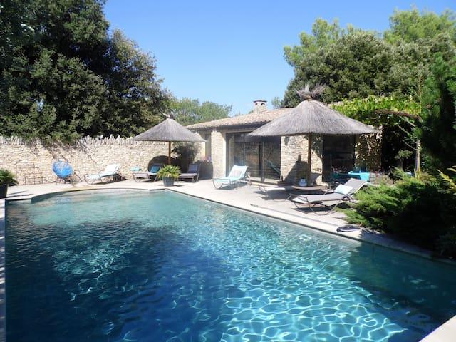 """Les 3 Cyprès - Mazets de charme """"Provence"""" - Venasque - Huis"""