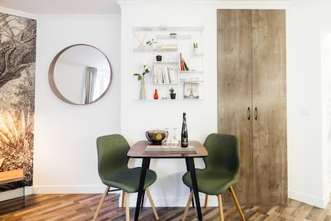 Appartement unique au cœur d'un authentique passage Parisien