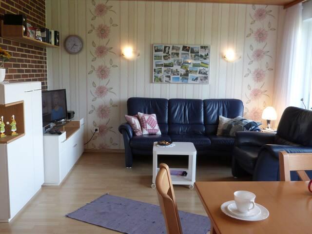 Ferienhaus am Gänserasen (Oberaula) -, Ferienhaus 61qm, 3 Schlafzimmer, max 3 Erwachsene und 1 Kind