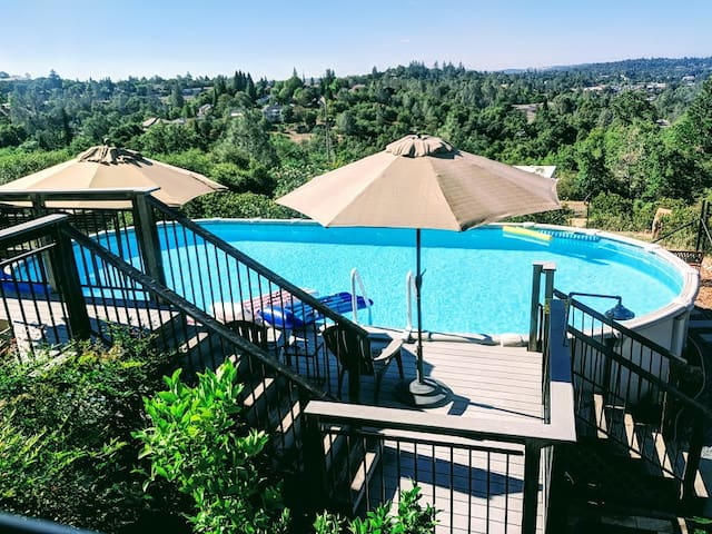 Beautiful Auburn Views--Beautiful Private Space
