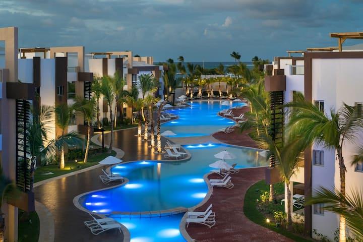 ✩✩✩✩✩Luxury Beach Resort Condo-2 Bedrooms-Sleeps 6
