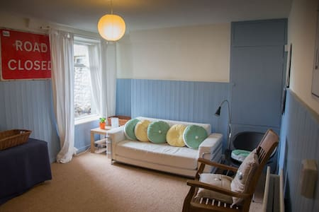 Seaside basement flat - Morecambe