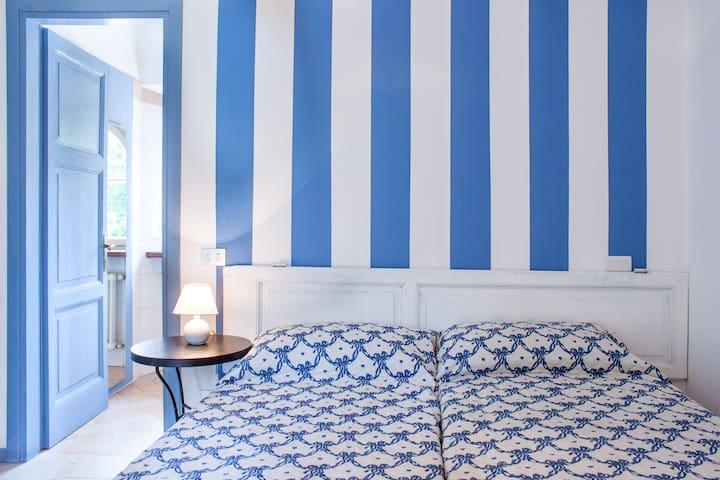 Casa La Viola blu stanza azzurra