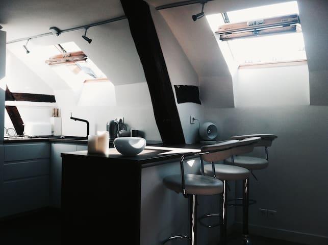 Cozy Studio in The Heart Of Le Marais