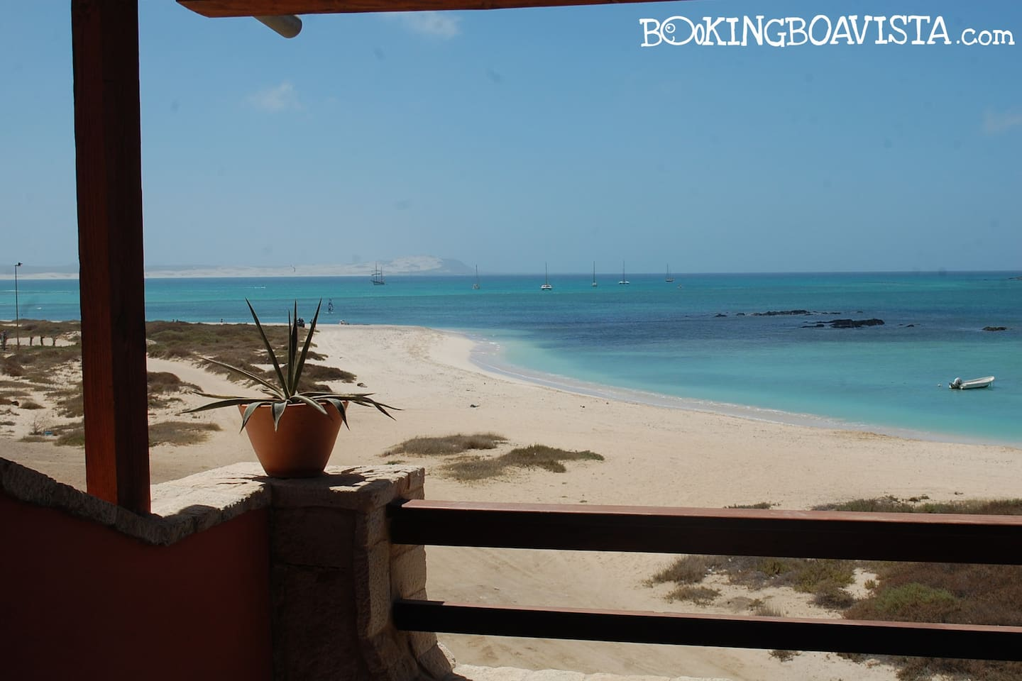 BookingBoavista have excelents apartments on the beach to your holidays.