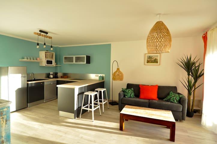 Bel appartement de standing vue mer avec jardin