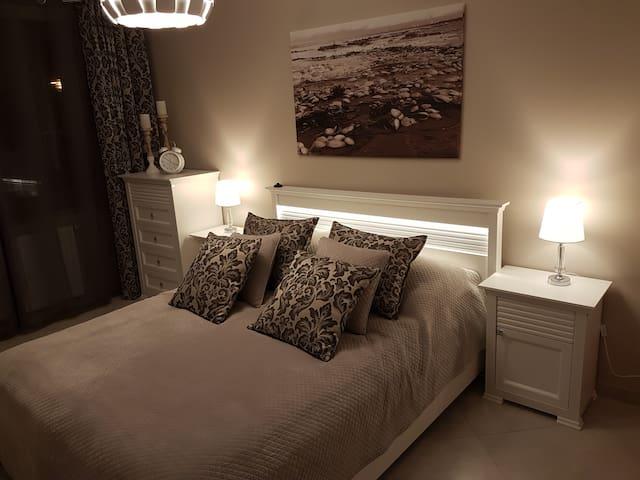 Ewa Apartment