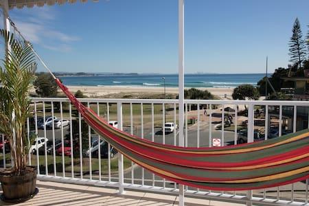 Your own slice of Gold Coast heaven!! - Coolangatta