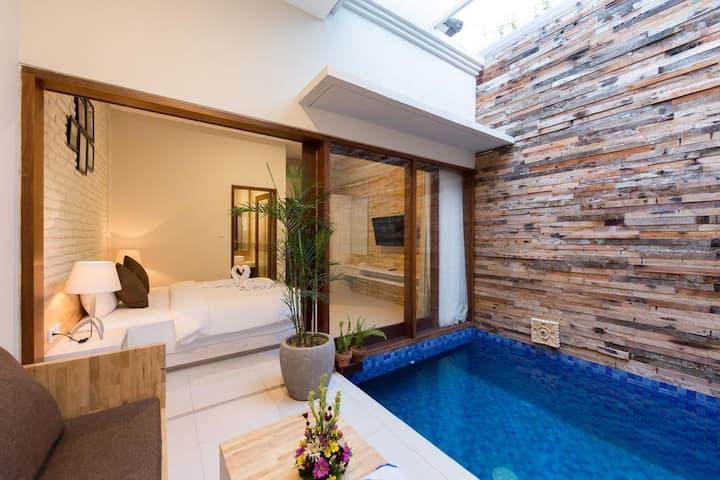 Monthly Rent Villa in Prime location of seminyak