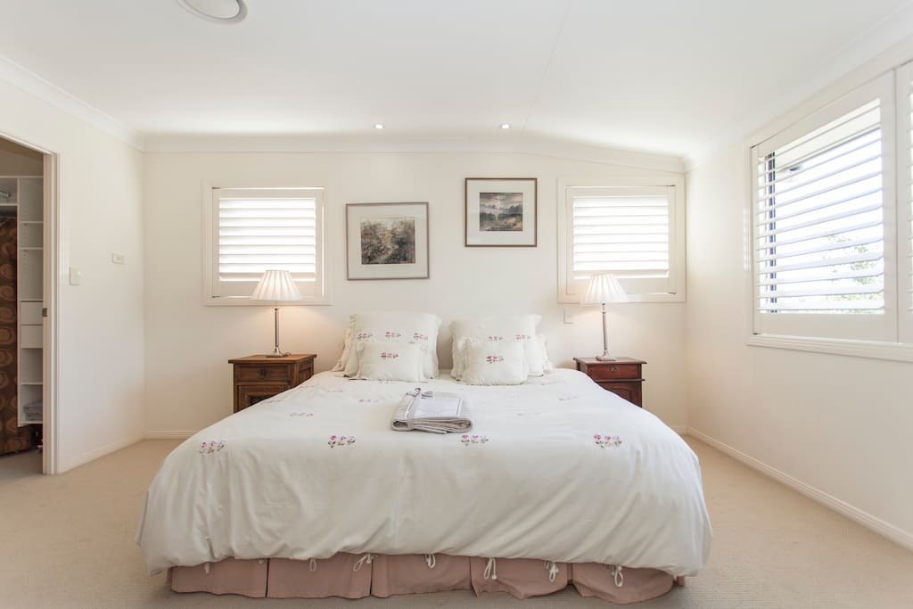 Luxury offering space for additional bed & dressing room for long term stays