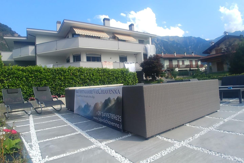 B&B Affittacamere Val Chiavenna - Esterno Struttura e Area Relax Minipiscina idromassaggio