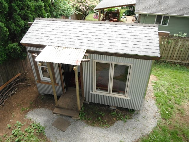 Tiny House and Main Home near PDX - Washougal - Casa