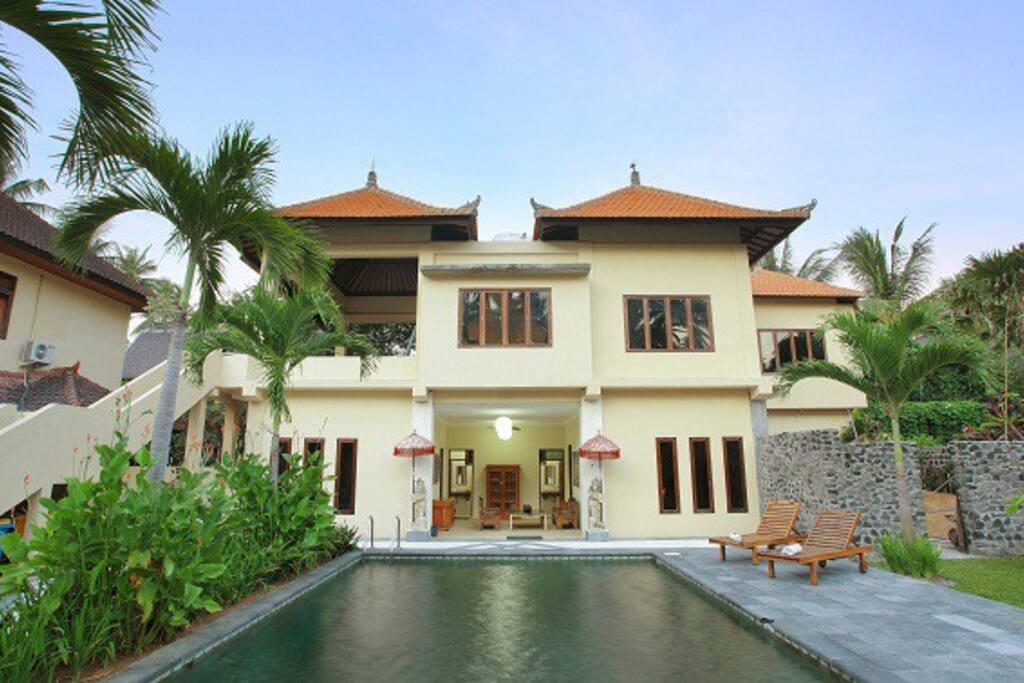 Garden Villa Matanai