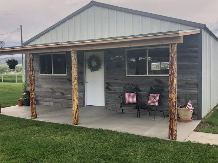 Rustic Magpie Bunkhouse