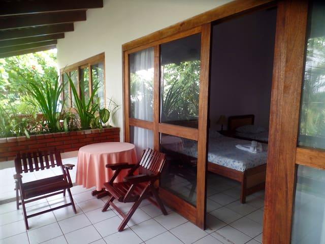 Beachfront Getaway Hotel Catalina - Jacó - Cabin