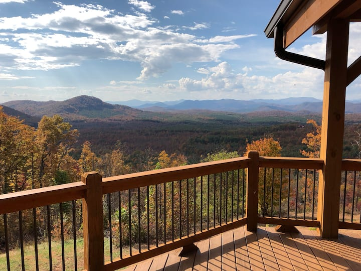 Quiet Mountain Retreat: View104 Carriage House