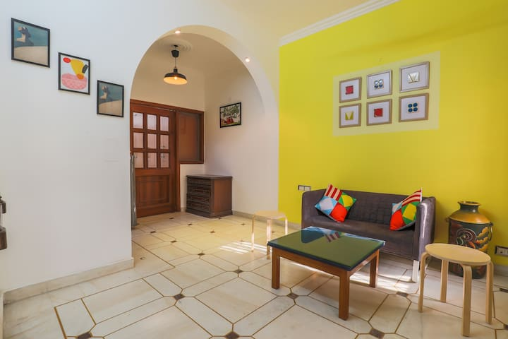 OYO - Marked Down! Homely 1BR Homestay in Gurgaon