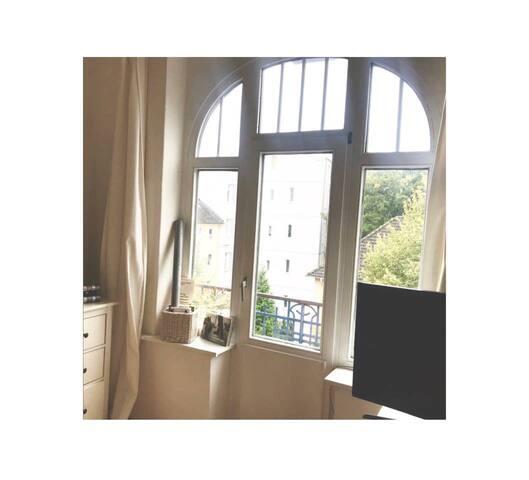 Helle Wohnung mit Balkon beim Eimsbütteler Park !