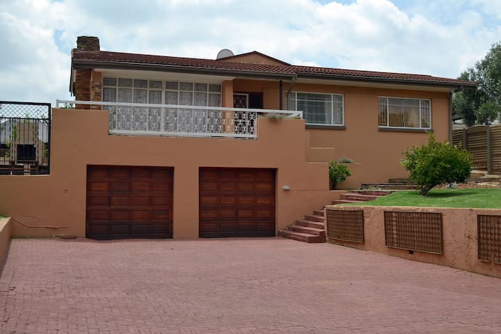 CONTRACTORS ACCOMMODATION Westrand - Krugersdorp - House