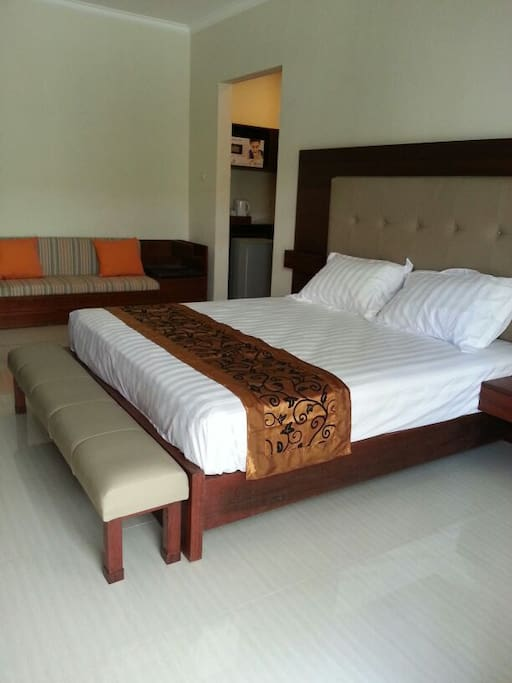 Hotel-class bedding and furniture