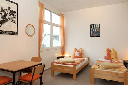 1) Accomodation suitable for two - Troisdorf - Pis