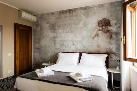 Tower Suite Cannaregio Canal View 207