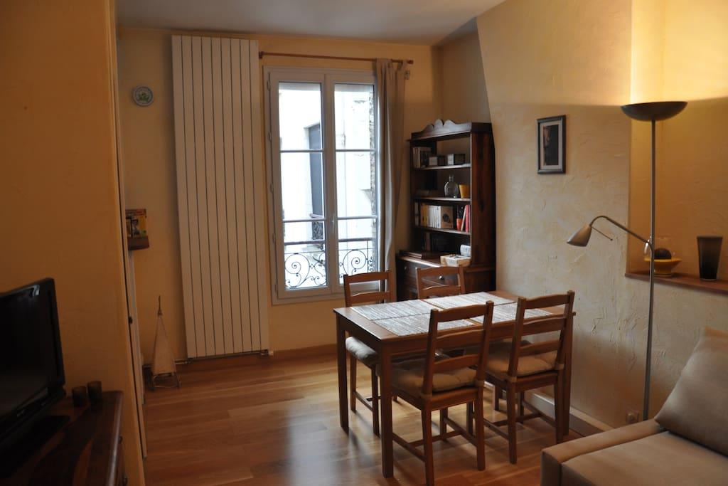 Perfect 1 bedroom appt bastille apartments for rent in for Allez cuisine translation