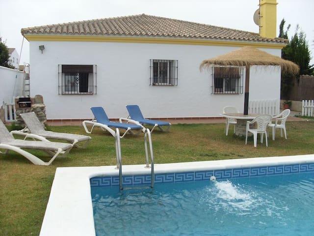 Strandnahes Ferienhaus mit Swimmingpool - Vejer de la Frontera - Haus