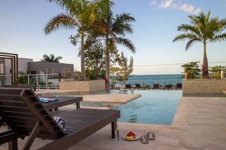 Otaheite House, beautiful,   2 bedroom, ocean view