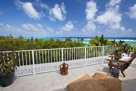Beachfront, Private Decks, Pool, Tennis 3 br & 3ba - Bodden Town - 独立屋