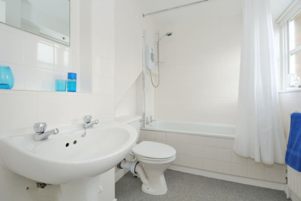 The bathroom is kept clean constantly - as seen here and noted in our reviews - and is shared with just 1 other guest.