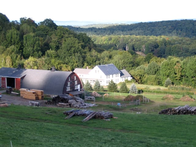 Sunrise Farm, Brattleboro Farm-stay - Guilford - アパート
