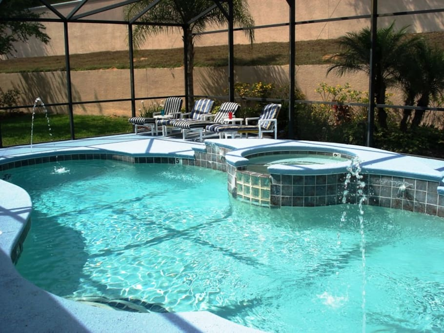 Sun drenched 30ft pool and Spa