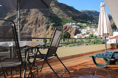 Marina Sol        20785/AL - Funchal