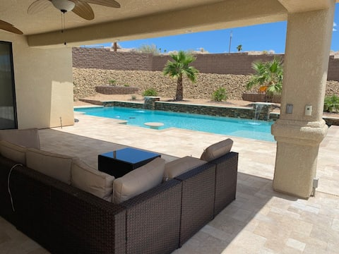 3 Bed 2 Bath with pool & PET FRIENDLY
