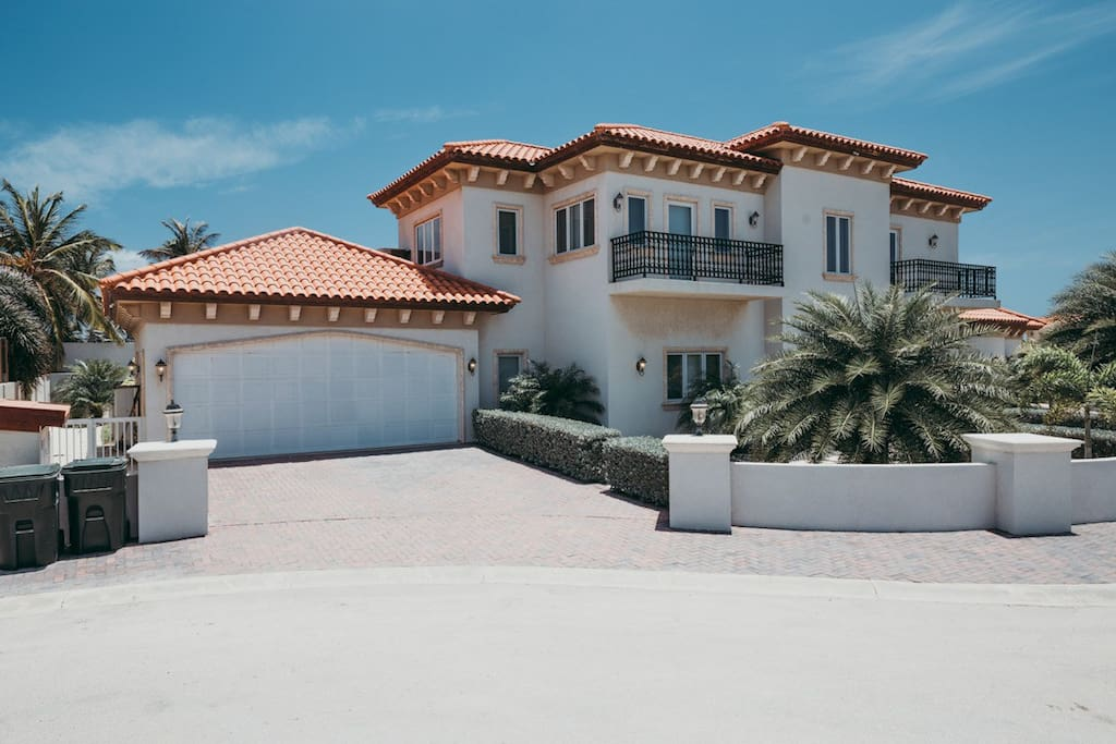 Tuscan style Architecture at its best in Aruba