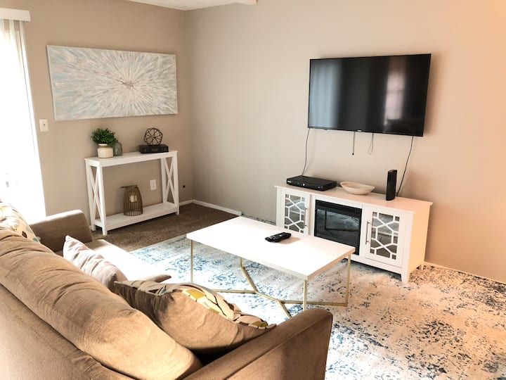 Amazing unit with perfect location