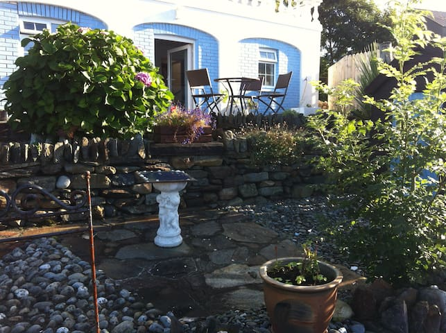 Annie's Secret Garden  2 bed  Annex - Kilcar  - Muu