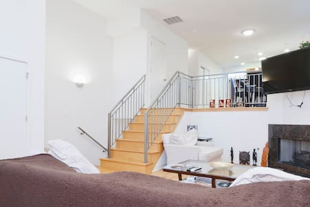 5 Star Suite Experience + Parking - Chicago - Ház