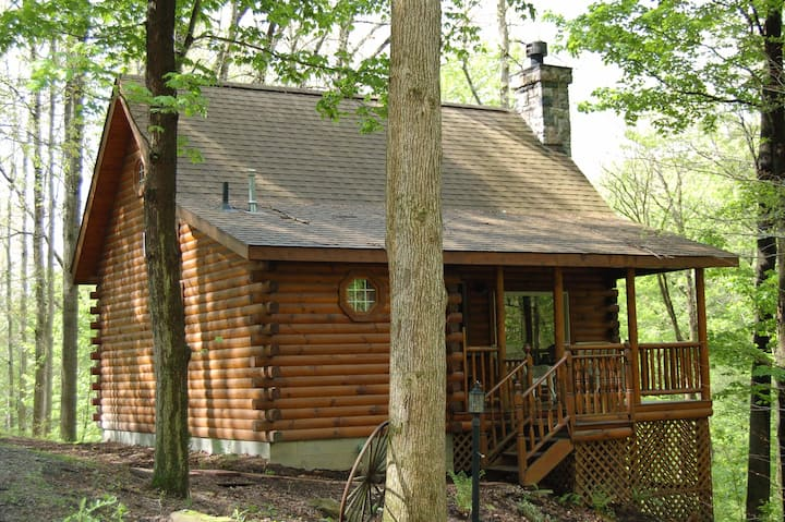 Breezewood Cabins: Oak Dale