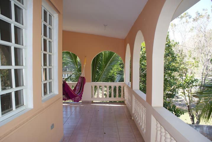 3BRM 5Bed 2Bath AC Close To All! - Aguadilla - House