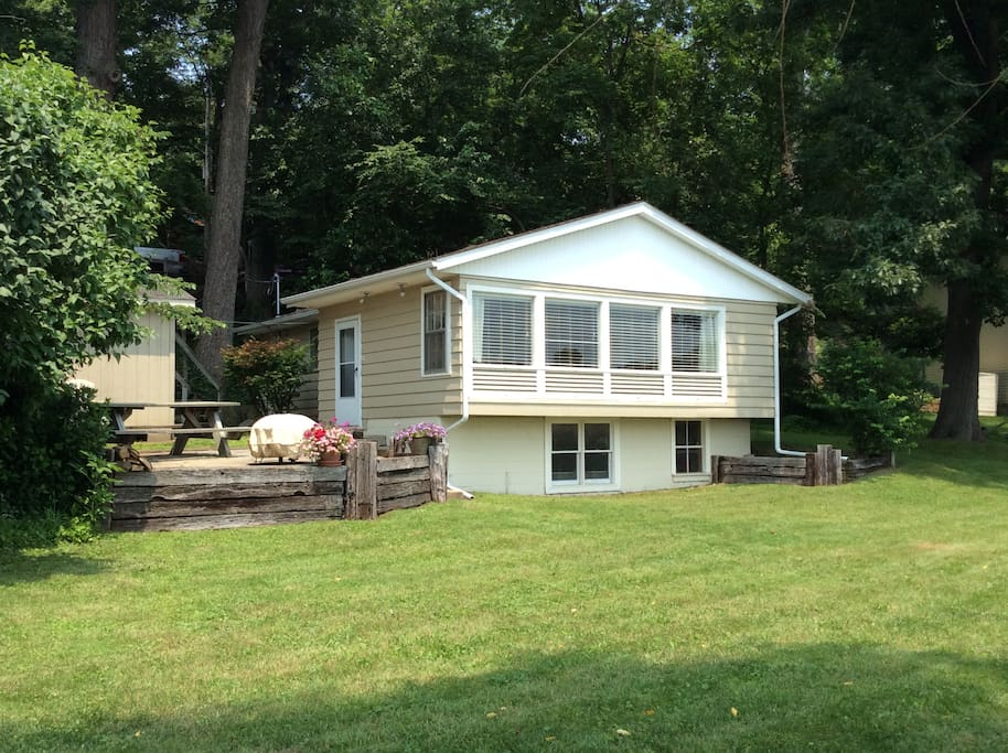 Cozy Lakefront Cottage Getaway Cottages For Rent In