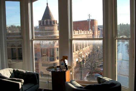 Midcentury Modern Loft Living - Decorah