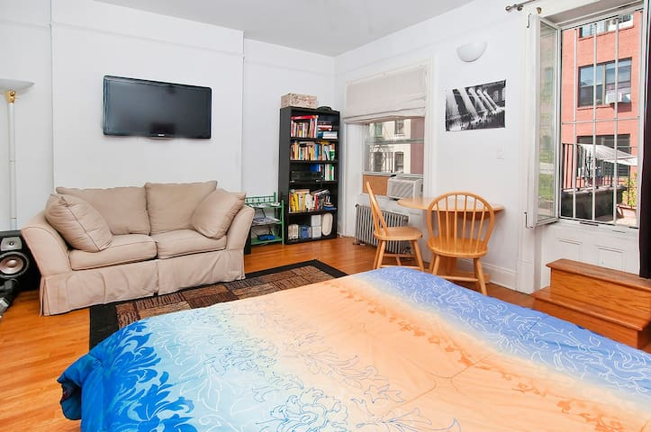 Your NYC Airbnb - Spacious Room w/ Private Balcony