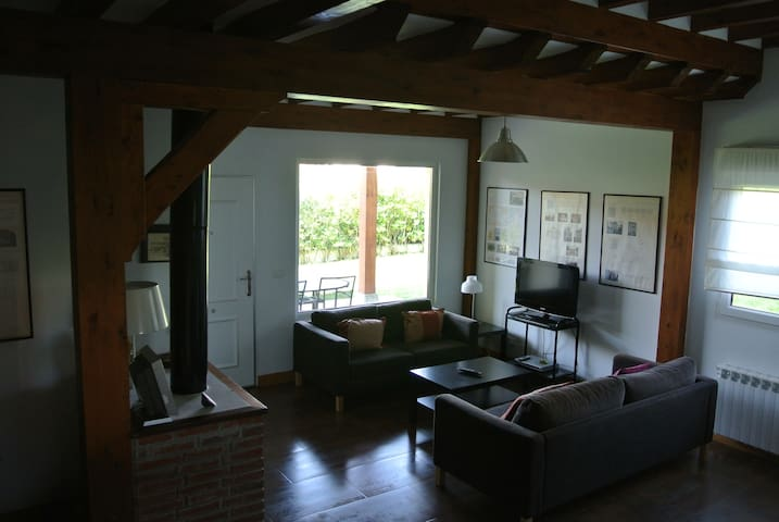 Nice holiday house. Great location - Liandres - Hus