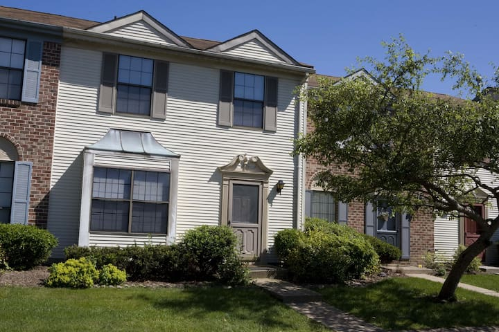 3 BR 2.5 Bath Townhome (147) - Piscataway Township - Apartment