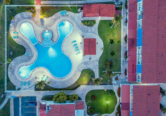 Villa Del Mar | Tropical Beach Retreat | 3 Bed, 2.5 Bath