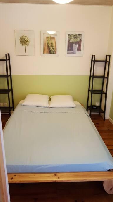 1ère chambre lit double 140x190